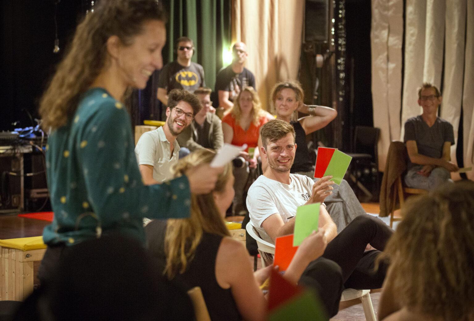 Editie van De Salon in het Chasse theater met Stormkamers vanHanna van Mourik Broekman en Toneelgroep NomenFoto: Joyce van Belkom